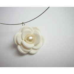 Bílá květinka
