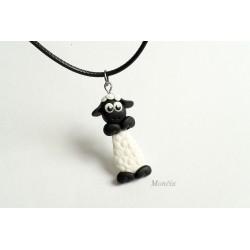 Ovečka náhrdelník fimo